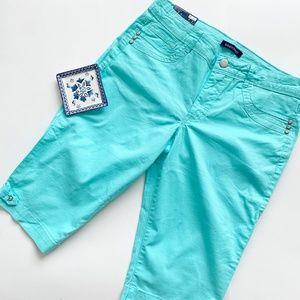 NWT Bandolino Turquoise Bermuda Shorts- Size 6
